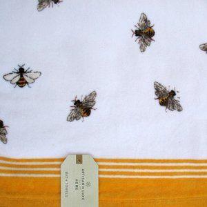 NEW Artisan De Luxe Bath Towel Bumble Bees 54 x 28